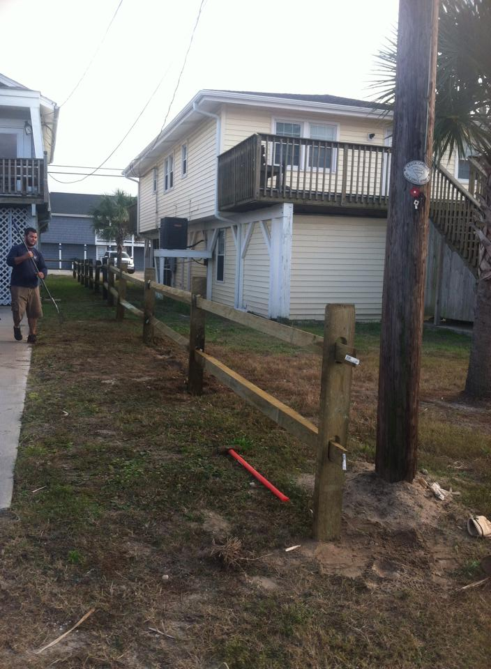 Replace fence in Cherry Grove